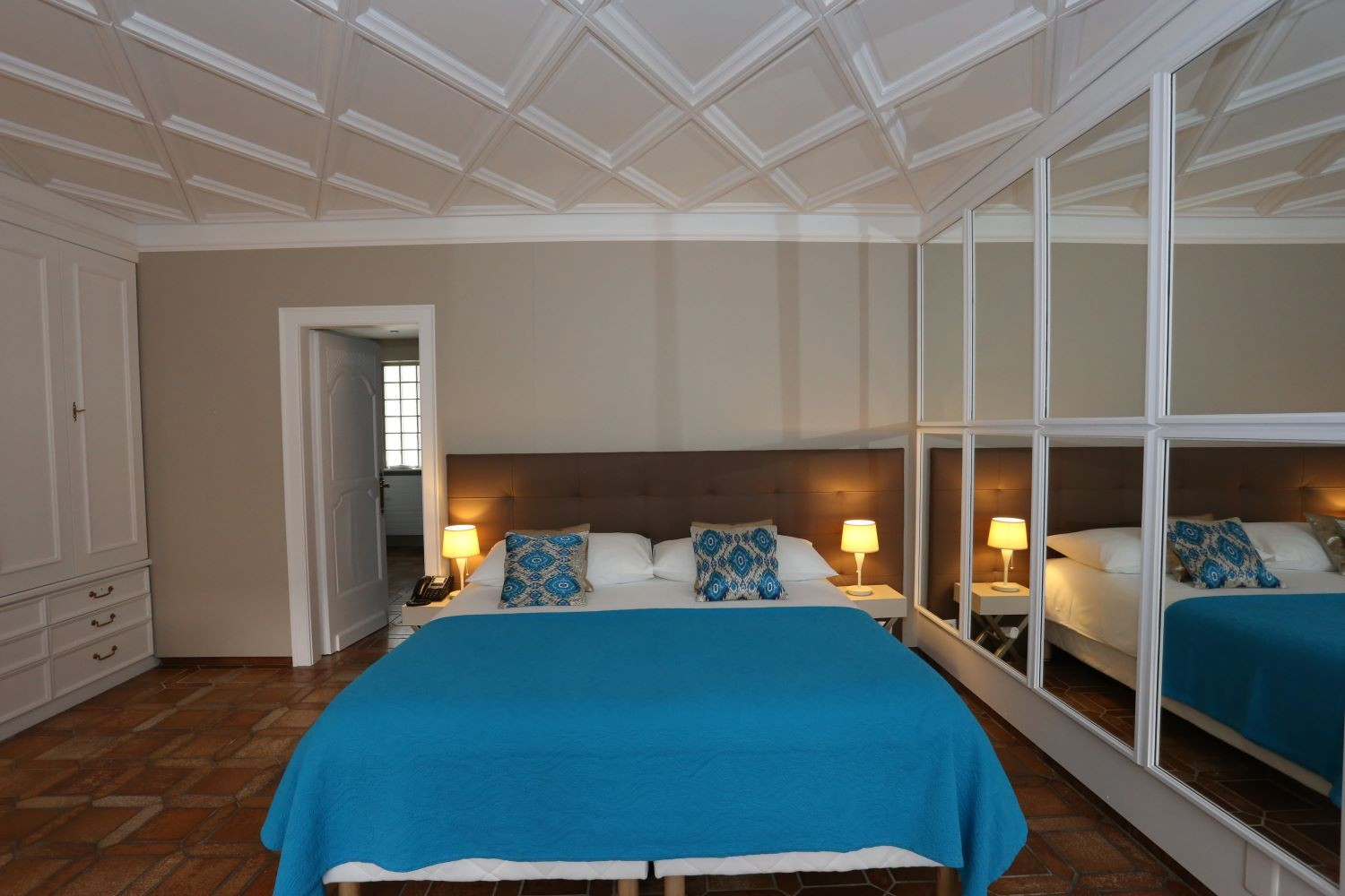Standard Single Room With Courtyard View